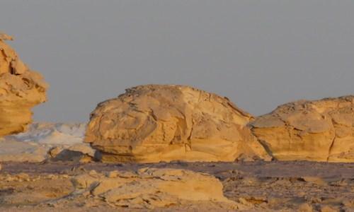Desiertos blanco y negro en el Sahara Egipto