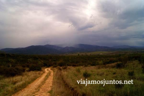 Ruta a las Cárcavas, Patones, Madrid; senderismo por sitios singulares de la Comunidad de Madrid; tormenta