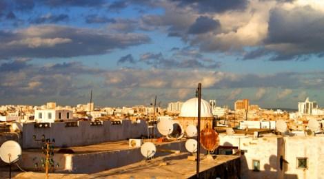 Saltando por los tejados de Túnez