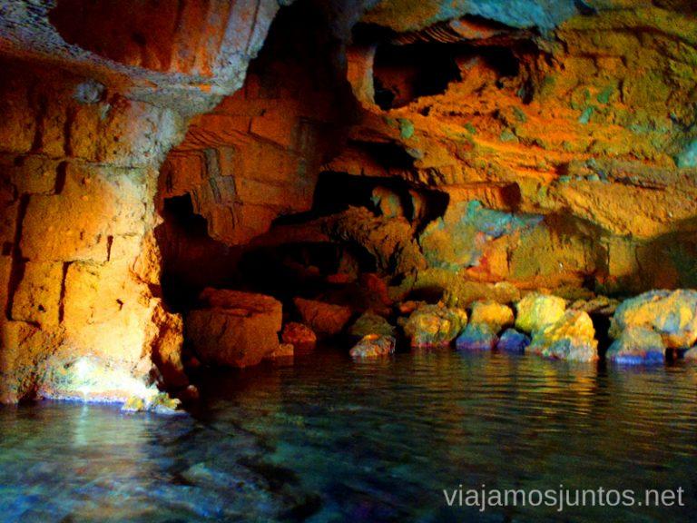 ¿Un baño en la cueva? Ruta desde Les Rotes hasta laa Cueva Tallada a pie. Denia. Valencia