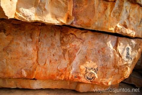 El abrigo de pintura rupestre LA Peña Escrita Descubriendo el Edén de la Mancha, el parque natural del Valle de Alcudia y Sierra Madrona
