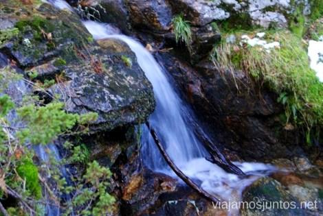 Seda en movimiento Ruta de las cascadas, Navacerrada, Sierra Guadarrama, Madrid. Nieve, río, cascaditas, vistas panorámicas