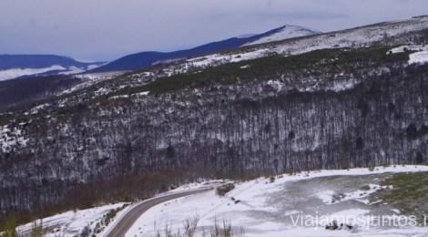 Paisaje helado Vivir invierno en Cantabria frío, nieve y experiencias únicas