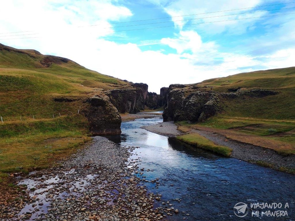Fjaðrárgljúfur-01