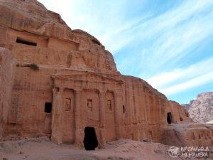 roman-soldier-tomb