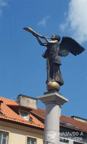 uzupis-angel