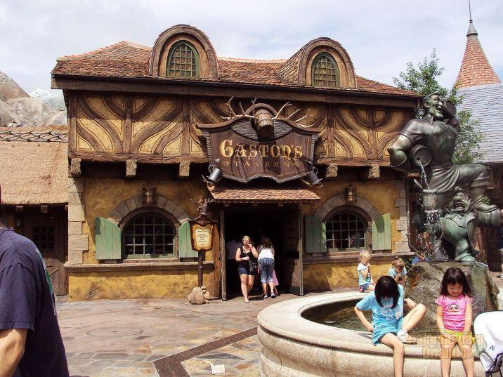 Gaston's Tavern - Magic Kingdom - Photo 01