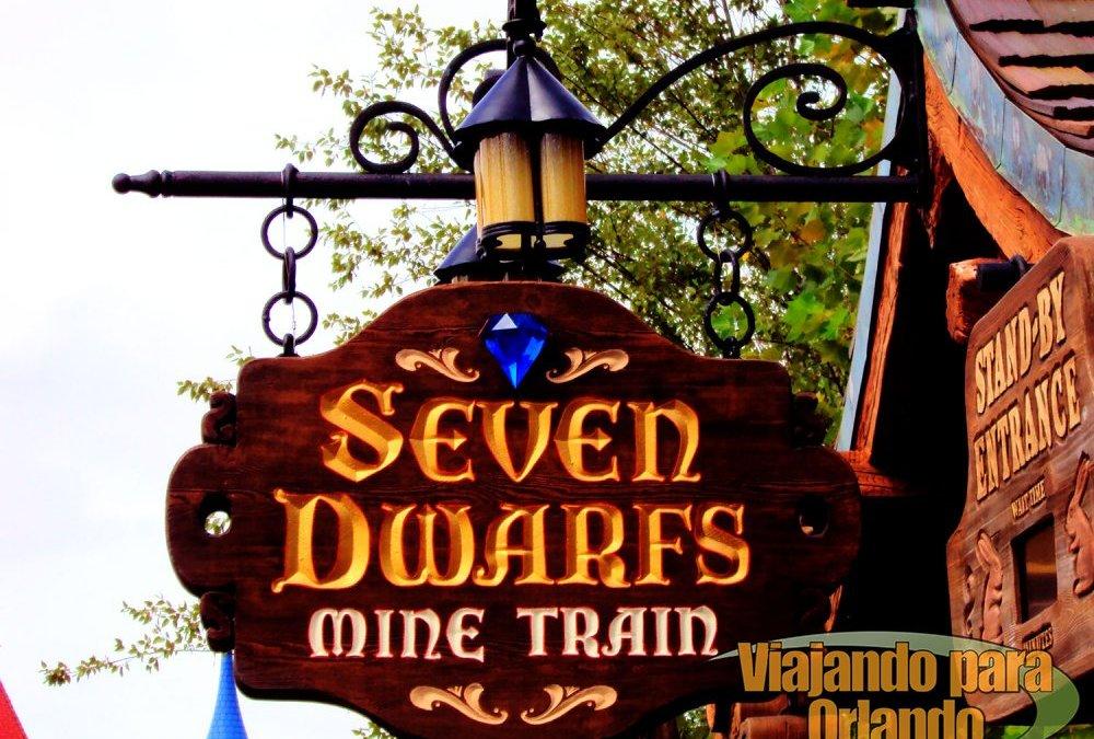 Incêndio de pequenas proporções é rapidamente controlado na atração Seven Dwarfs Mine Train