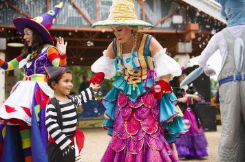 Halloween Sooktacular - SeaWorld Orlando - Penelope's Garden Party 2