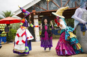 Halloween Sooktacular - SeaWorld Orlando - Penelope's Garden Party