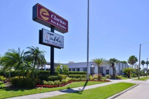 Clarion Inn & Suites Across From Universal Orlando Resort