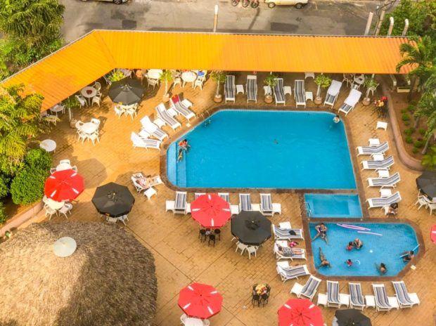 piscinas do Castro's Hotel hospedagem em Goiânia