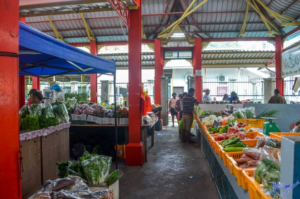 interior do mercado em Mahe - Seychelles