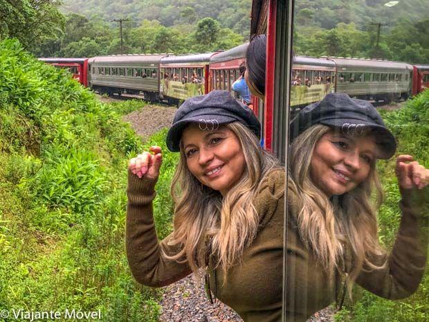 Viagem de trem de Curitiba a Morretes no Paraná