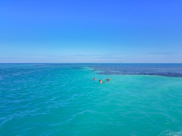 Mar do Caribe em Caye Caulker em Belize