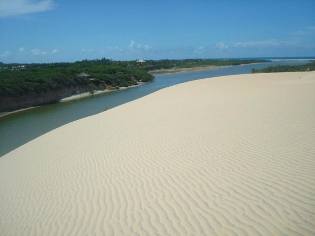 Praia de Barra Nova no litoral leste do Ceará