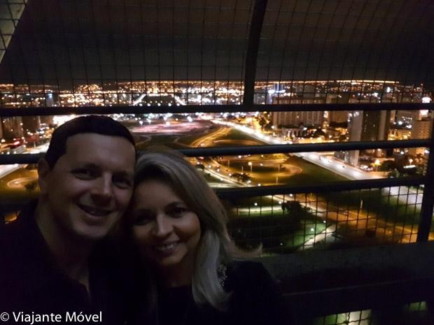 Vista panorâmica noturna de brasília da Torre de TV