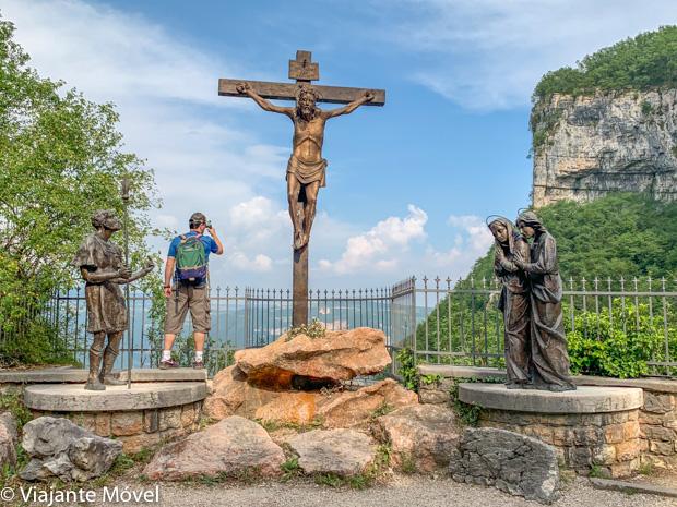 Via sacra do Madonna della Corona, Itália – incrível igreja encravada na rocha