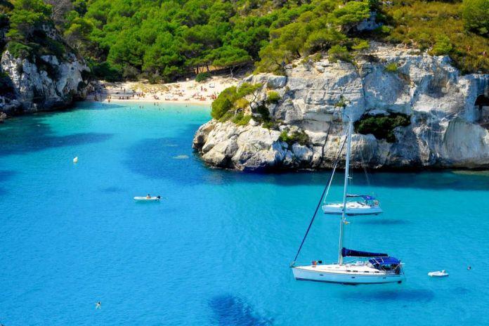 Visitar Menorca en Barco