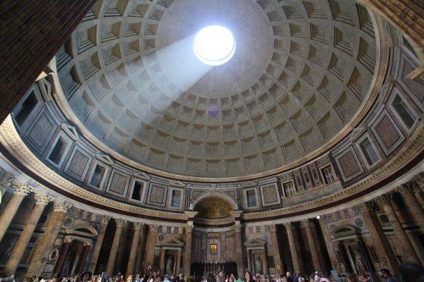 Pantheon en Roma foto de Richjheath Wikimedia commons
