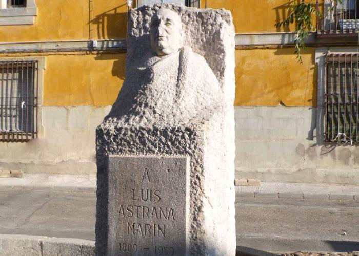 Monumento a Astrana Marin en Esquivias