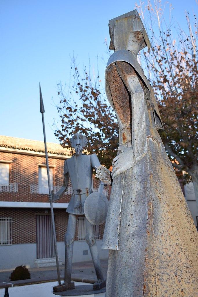 Escultura Quijote y Dulcinea en Quero foto de Victor Raul Lopez Ruiz
