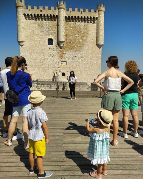 explicación en lo alto del castillo de peñafiel