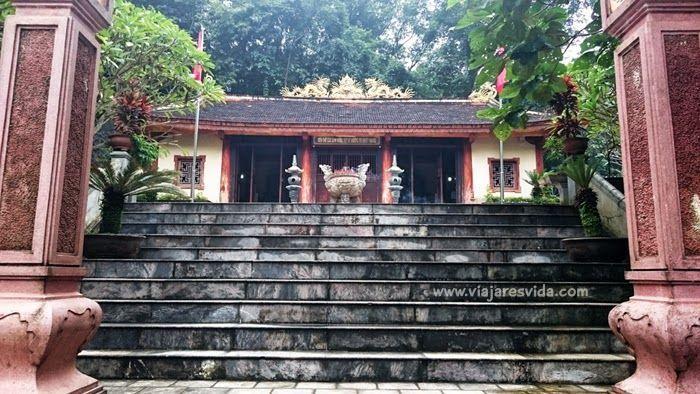 War Martyrs Memorial Temple. Phong Nha-Ke Bàng