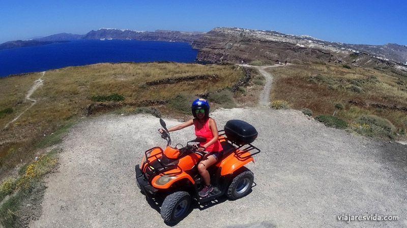 Quad en Santorini
