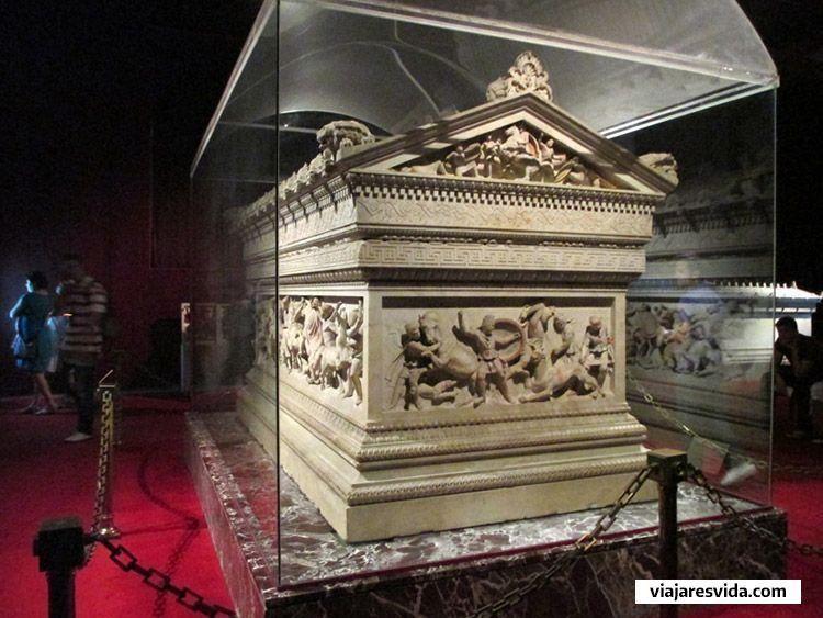 Sarcófago de Alejandro Magno