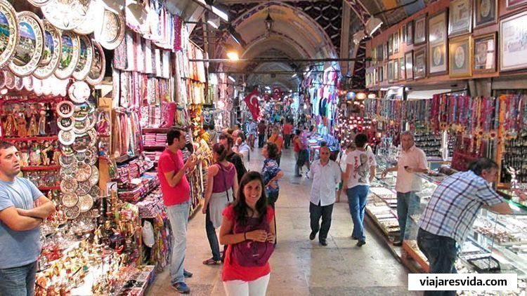 De compras en el Gran Bazar de Estambul