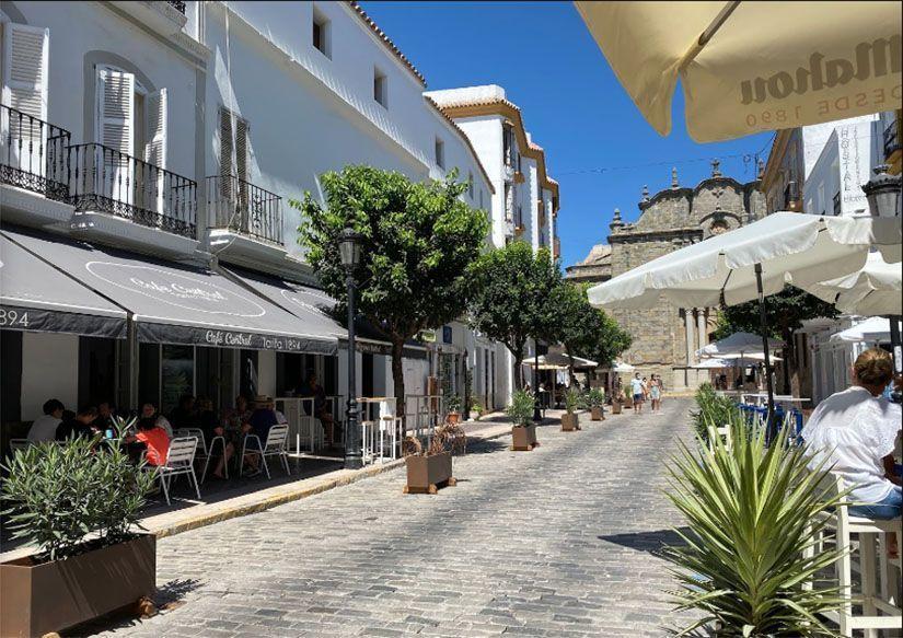 Calle Sancho IV el Bravo (o La Calzada) en Tarifa