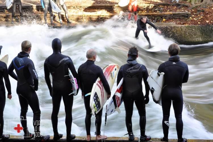 eisbach surf munich