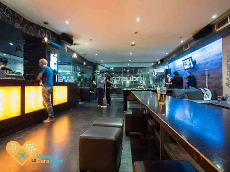 Nomads Melbourne Hostel Melbourne lounge