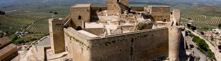 Alcaudete, bajo la atenta mirada de su castillo calatravo