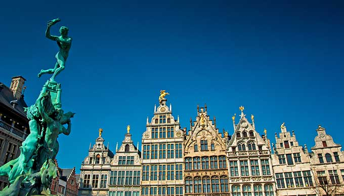 antwerp-belgium-nice-houses-in-the-old-town