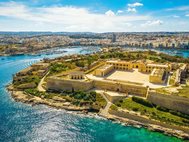 Il Gzira (Malta), destino de playa y cultura