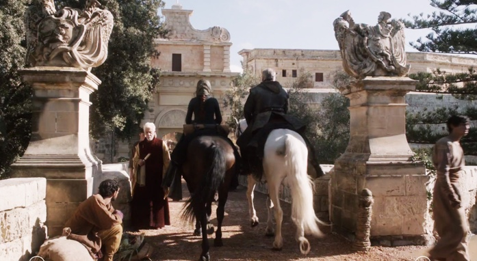 Catelyn arrives in Kings Landing in Season 1