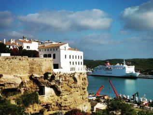 Vuelve la experiencia #socialferry: «Embarca, enfoca y comparte» con Trasmediterranea