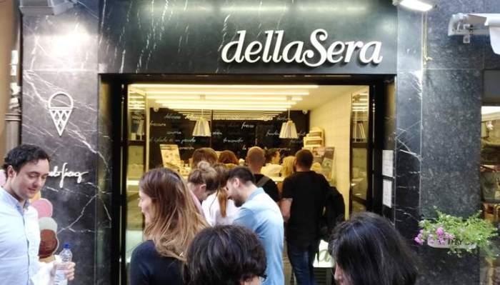 Fachada de la heladería dellaSera