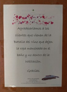 Aviso del Hotel sobre la batalla del vino