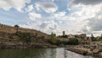 Puente viejo y muralla, Buitrago de Lozoya.