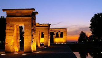 Templos de Egipto. El Templo de Debod en Madrid.