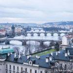 Parque de Letná en Praga. La mejor vista de los puentes.