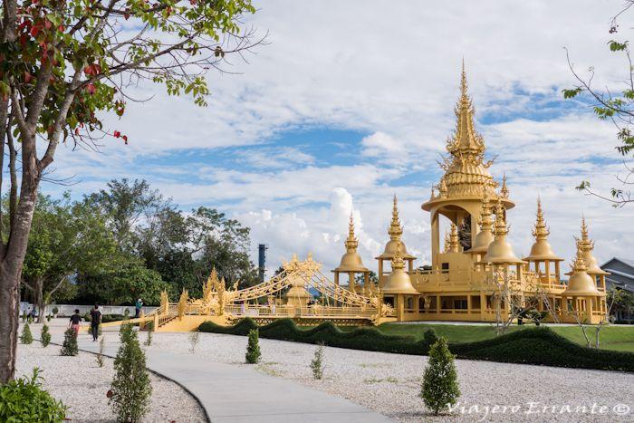 templo blanco en tailandia