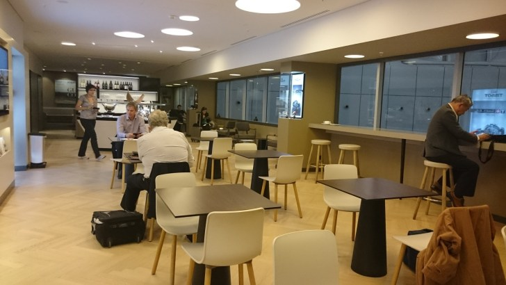 Zurich ZRH airport - Oneworld y Skyteam Lounges Priority Pass-12