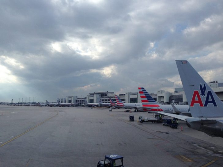 Sala VIP lounge oneworld en Terminal E de Miami - MIA-03b