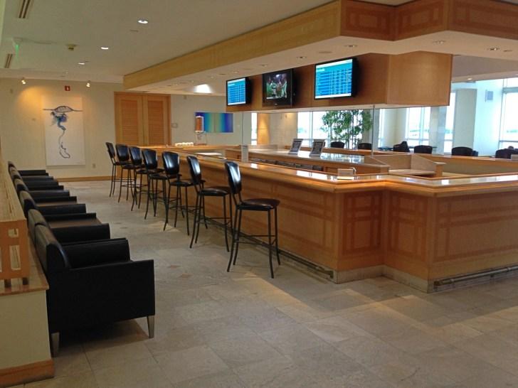 Sala VIP lounge oneworld en Terminal E de Miami - MIA-34