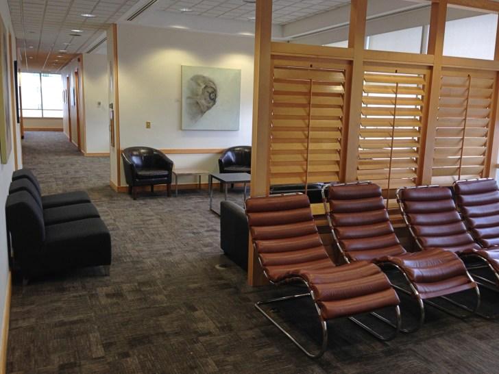 Sala VIP lounge oneworld en Terminal E de Miami - MIA-45