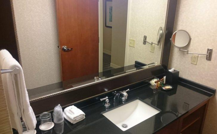 Sheraton Kansas City - Crown Lounge - 10